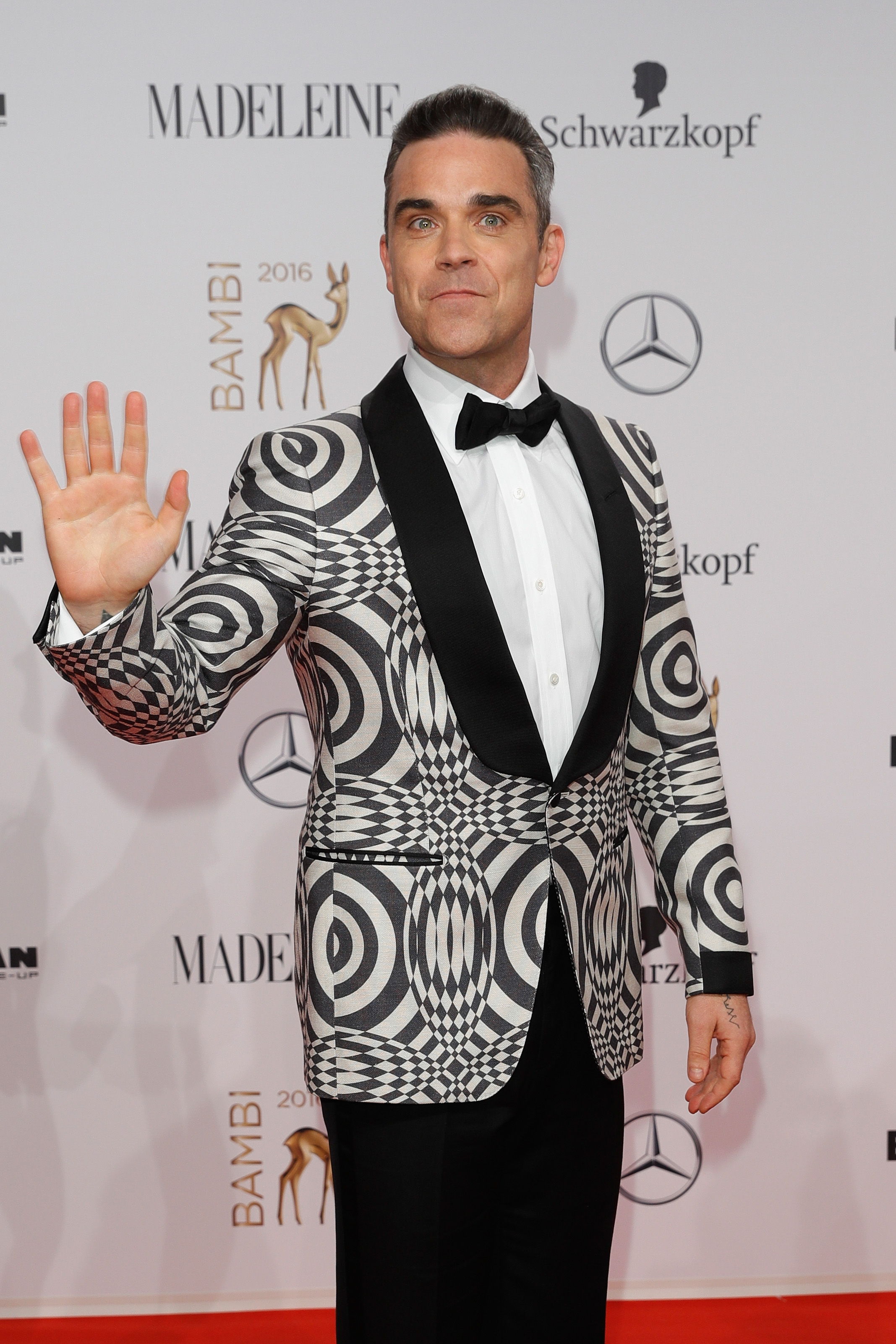 BERLIN, GERMANY - NOVEMBER 17:  Robbie Williams arrives at the Bambi Awards 2016 at Stage Theater on November 17, 2016 in Berlin, Germany.  (Photo by Andreas Rentz/Getty Images for MADELEINE)